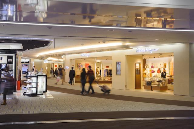 第2旅客ターミナルの免税ブティックエリア「ナリタ5番街」は2016年秋に向けて拡充する