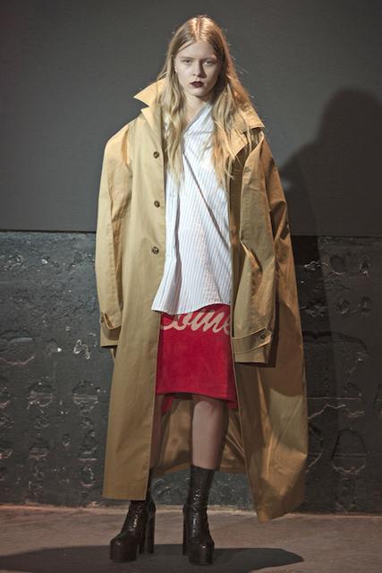 「ヴェトモン」2015-16年秋冬コレクション (c) Fairchild Fashion Media