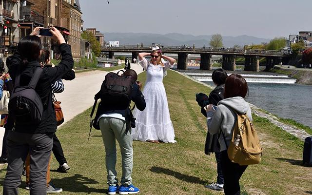 現在は世界の花嫁を撮るシリーズ「ル・レーヴ」を制作している