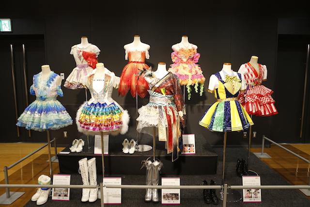 3月に開催した企画展「AKB48 衣装ミュージアム 衣装が語る少女たちのキセキ」