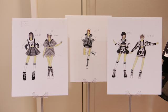 衣装展で展示されたデザイン画